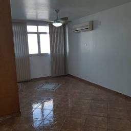 Título do anúncio: Amplo e arejado apartamento de 3 dorms (1 suíte) à venda no Gonzaga em Santos ? SP
