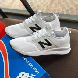 Título do anúncio: Vendo Tênis New Balance top ( 125 com entrega)