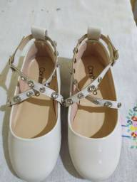 Sapatos infantis tamanho 25 (leia a descrição)