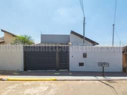 Casa com 2 quartos em ótima localização no bairro Vila Margarida