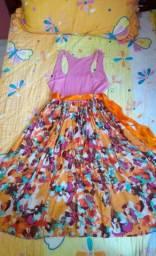 Vestido com saia rodada e estampa florida