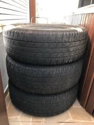 Pneu 265/65/17 usado 500,00 os 4 pneus