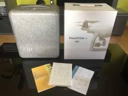 Drone DJI Phantom 4 com 2 baterias