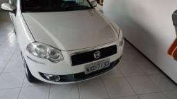 Fiat Siena Essence Dualogic 1.6 Flex 16 V 4 P - 2011