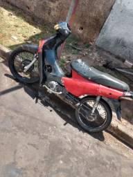 Vendo moto Honda biz 100 2001 motor novo - 2001