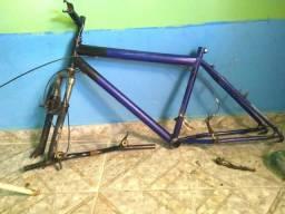 Quadro de bike com guarfo mesinha e guidon