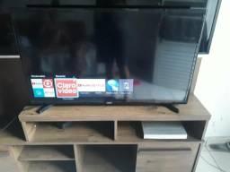Smart tv 40 polegadas Wi-Fi YouTube etc bem novinha