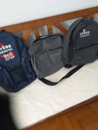 Vendo duas mochilas novas login urgues e bolsa tira colo