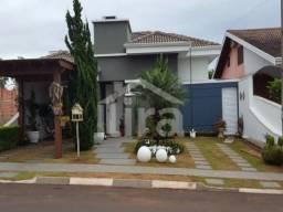 Casa De 3 Dormitórios, Suíte E 2 Vagas De Garagem