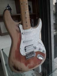 Guitarra Stratocaster relicada  +amplificador amplificador Randall rx 25