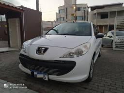 Peugeot 207 impecável 19.000,00