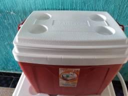 Caixa térmica Antares 34 litros vermelha