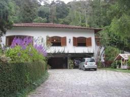 Título do anúncio: Casa para venda possui 390 metros quadrados e 6 quartos em Cascata dos Amores - Teresópoli
