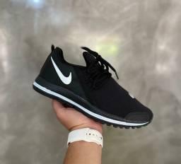 Título do anúncio: Vendo Tênis Nike esportivo ( 120 com entrega)