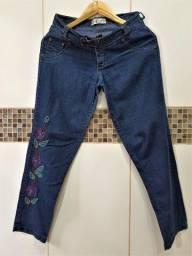 Calça Jeans Bivik com Bordado à Mão