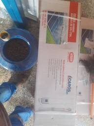 Novidade bomba com placa solar fazendo instalação