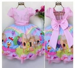 Vendo vestido de luxo tamanho 2 anos ainda vem com a saia de armação