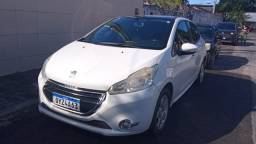 Peugeot 208 Active 1.4 ano 2014