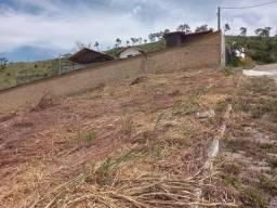 A RC+Imóveis vende um terreno com vista para as montanhas em Werneck - Paraíba do Sul - RJ