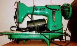 Máquina de costura vigorelli