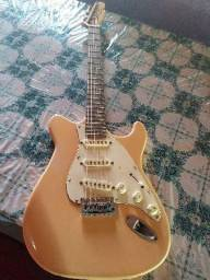 Conjunto guitarra pedaleira e cubo