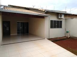 Maravilhosa casa de 3/4 sendo 1 suite com area de lazer , na vila brasilia