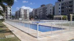 Apartamento com 2 dormitórios para alugar, 53 m² por R$ 700,00/mês - Messejana - Fortaleza