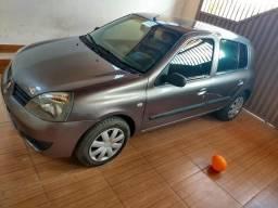 Carro Renault Clio muito bom e muito econômico - 2006