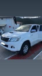 Hilux 2013 4 pneu BF novos, 4x4 automática - 2013