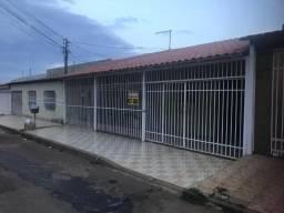 Vende-se ótima casa de 03 quartos na QNL 05 - Taguatinga DF
