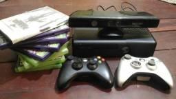Vendo Xbox 360 slim com kinect + 2 controle + 9 jogos