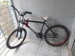 Bicicleta muito boa peço 700 preço negociável