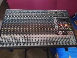 Mesa de som Behringer Eurodesk sx2442fx