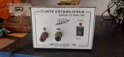 Fonte 12v, 5 amperes.