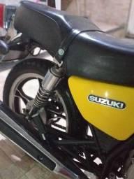 Suzuki INTRUDER  para Colecionador