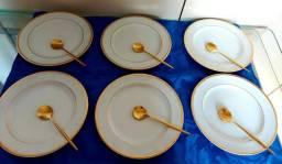 Título do anúncio: Antigos pratos para sobremesa/lanche,em porcelana shimidt,