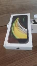 "IPhone SE 64GB Preto iOS 4G Wi-Fi Tela 4.7"" Câmera 12MP + 7MP - Apple"