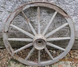 Roda de carroça com 95cm