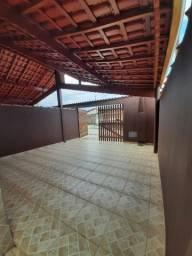 Casa nova com 03 dormitórios, financiamos para autônomos, físico e jurídico.