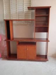 Vendo estante de madeira em bom estado.