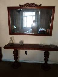 Aparador e espelho