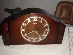 Título do anúncio: Relógio de Mesa Alemão com Carrilhão  Junghans