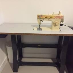 Bancada (mesa) para máquina de costura doméstica