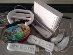 Nintendo Wii Branco (destravado) muito novo