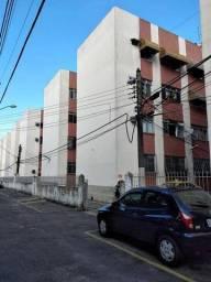 Título do anúncio: Apartamento Sala 2 quartos com garagem , portão eletrônico sen condo