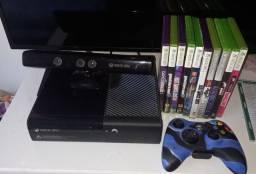 Xbox 360 com Kinect  e jogos originais.