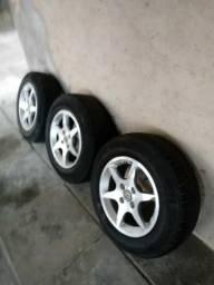 Rodas Aro 14 com pneus semi novos sem Detalhe Algum pra ser feito