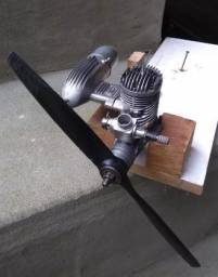 Motor de Aeromodelo Evolution 46 Glow C/ Helice