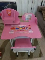 Conjunto de mesa e cadeira infantil