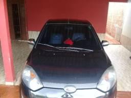 Vendo um Carro Fiesta Hatch - 2013